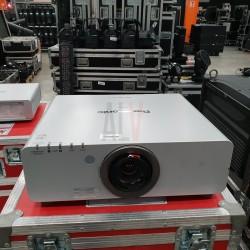 PANASONIC PT-DW6300 ES + 2 x OPTIQUES