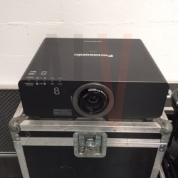PT DZ6710 VIDEO PROJECTEUR  PANASONIC