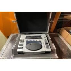 LOT 939: 1 X CD 10 0S PIONEER PLATE IN FLIGHT CASE
